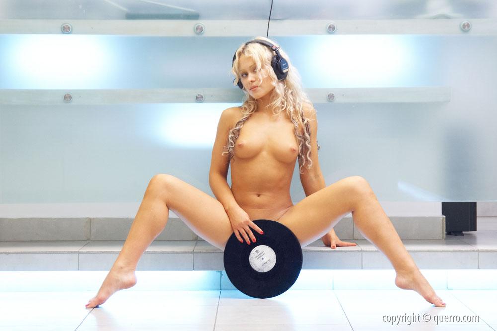 Albina / Alby / Ecaterina / Elle A / Elle C / Jessica / Alby - Naked DJ (Querro)