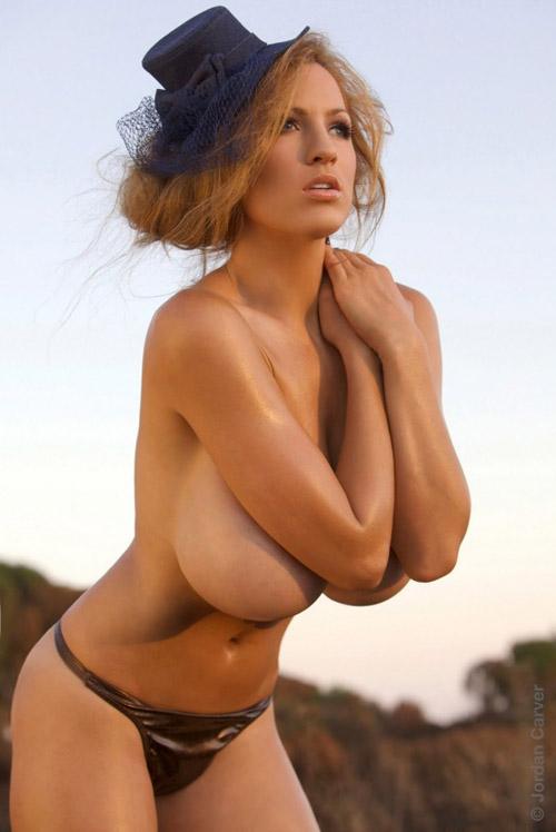 Фото модели с огромными сиськами — pic 15