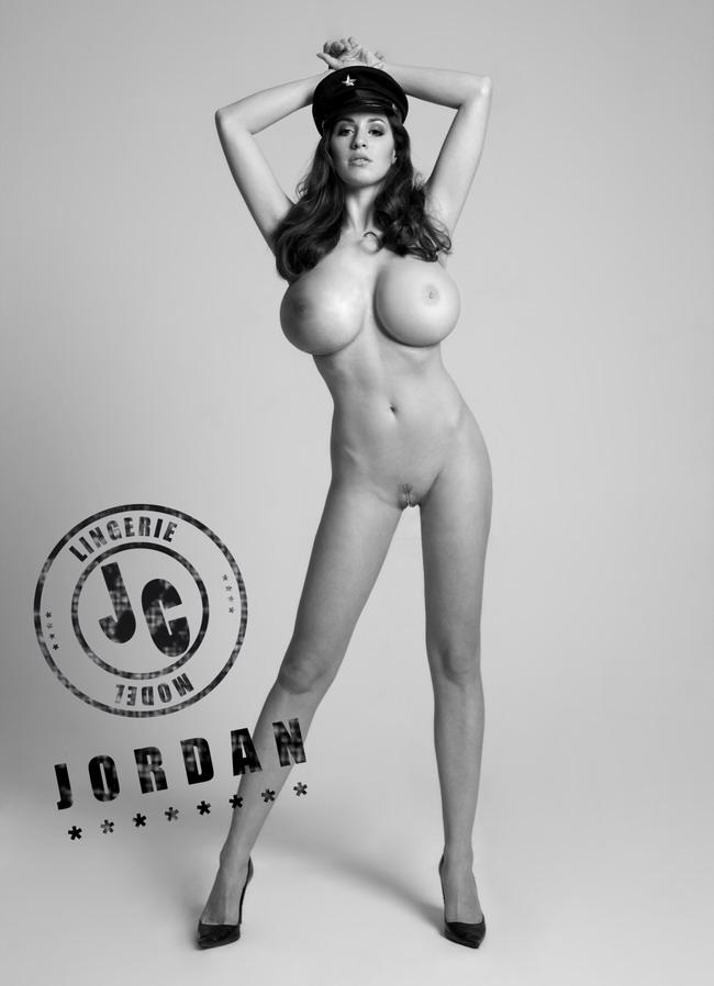 Голой джордан карвер фото #1