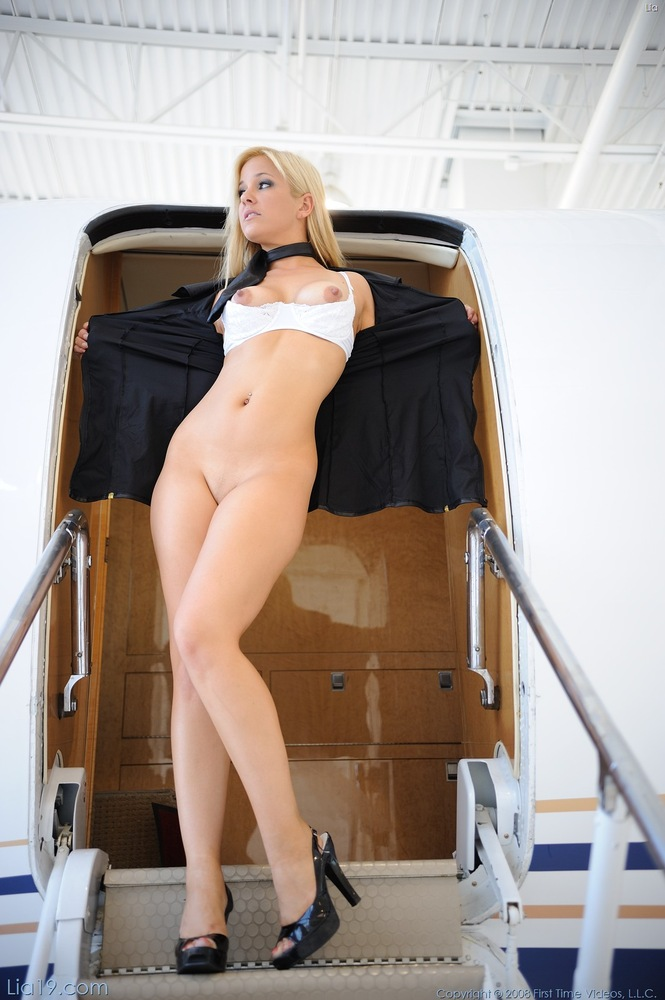 Стюардессы фото красивые голые